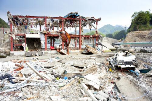 東日本大震災後2ヶ月・津波の被害にあった岩手県沿岸地域